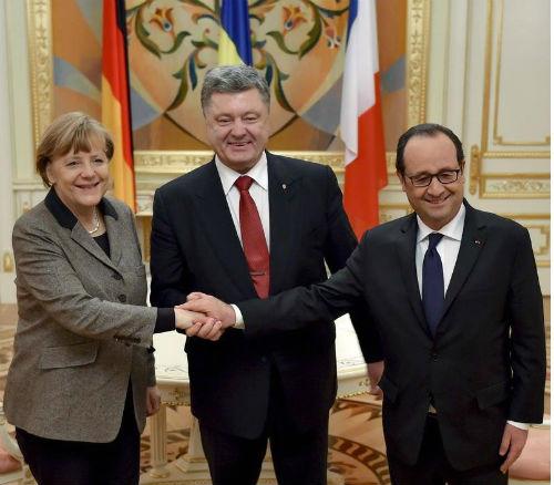 Merkel_Poro6enko_Oland_postavili_raka_edna_na_druga