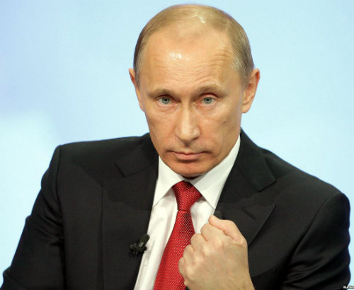 Putin_stiska_umruk