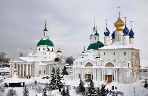 Rusia_katedrala_mnogo_kupoli