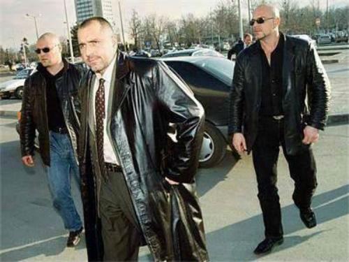 Boiko_Borisov_bandit_na_mladini_s_ohrana_mutri